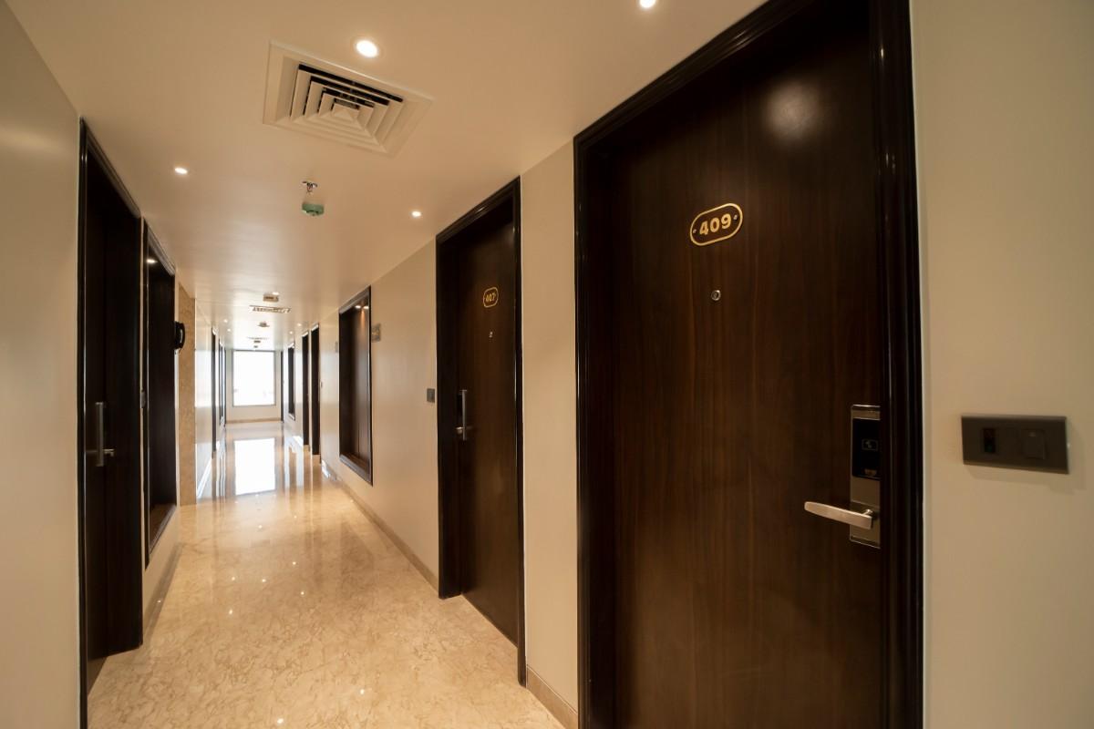 Floor Corridor